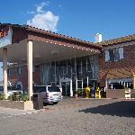 Front of Grand Motor Inn