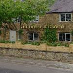 FRONT VIEW OF THE HORSE & GROOM, MILCOMBE