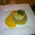 plat roulé de merlan, quinoa et velouté de poivron