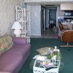 Living Room, 2 brm unit