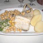 Baccalà bollito con legumi