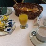 Breakfast (included)