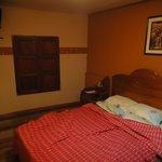Exemple de chambre avec salle de bains partagée