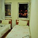 twin room at Dora Motel
