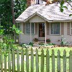Pine Grove Cottage on Pine Grove Lake