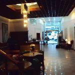 4.-Bs As Art Deco Hotel & Suites: pequeño lobby