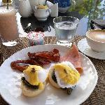 smoothies, egg benedict, how I miss their breakfast!