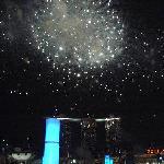 花火を背景にしたスカイパーク