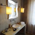 Waschtisch im großen Bad