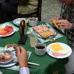 Desayuno en la cafeteria del apartotel
