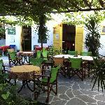 Kafenes (hotel's restaurant) courtyard
