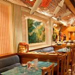 Charming ambience & a cosy place for a great dining experience
