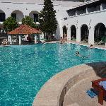 la piscine d'eau de mer de l'hotel aleksandar