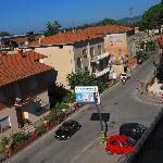 Blick von unserem Balkon auf die Straße