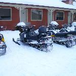 Unsere Maschinen vor dem Motel
