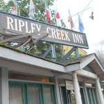 Front entrance to Ripley Inn