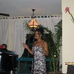 Chanteuse au lobby bar