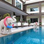 Chan Resort pool Elephant