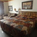 King bed room 1728