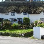 Lovely cottage in Coverack.  Fabulous fish/chip store on harbour.