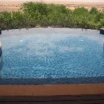Piscina privata vista Dubai desert
