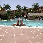 Italia & John Whiteside bar pool side...this is life.