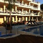 poolarea, facing the hotel