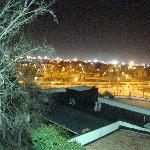 vista nocturna en invierno a la piscina
