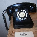 Vintage Phone (Nice Touch)