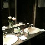 Das Marmorbadezimmer, sehr sauber.
