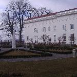 Blick zum Haupthaus