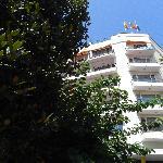 Entrada al Hotel Santa Rosa