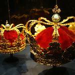 Queen's crowns