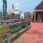 The crab house patio and marina
