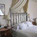 leopold room king size bed