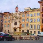 Piazza Farnese, Rome - Image of Tiber Limo Rome, Italy