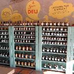 Productos delicatessen en el local gourmet de Spier!