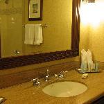 bathroom pic 2, executive floor room