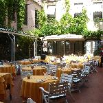 Restaurant by day