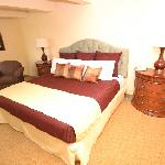 Deluxe Plus Room with one king bed