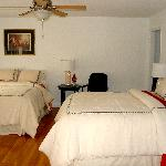 Each spacious room has 2 queen beds, tile or hardwood flooring and luxurious linens.
