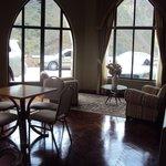 19.-Jujuy-Hotel Termas de Reyes:  sala de lectura