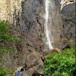Bridalveil Falls - lots of people