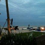Blick zum Strand vom Restaurant