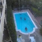pool or bathtub? pathetic!!