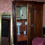 bathroom part 2!