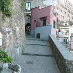 The hosue is part of the historical  postcard of Sorrento