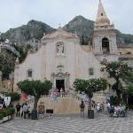 Piazza IX Aprile Square, a panaoramic terrace where the locals gather in the evening when the da