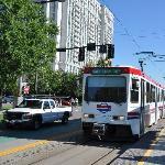 Le tramway TRAX à 5 minutes à pied de l'hôtel