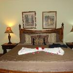 Flower Petals on the Bed to welcome us ... sooo sweet!